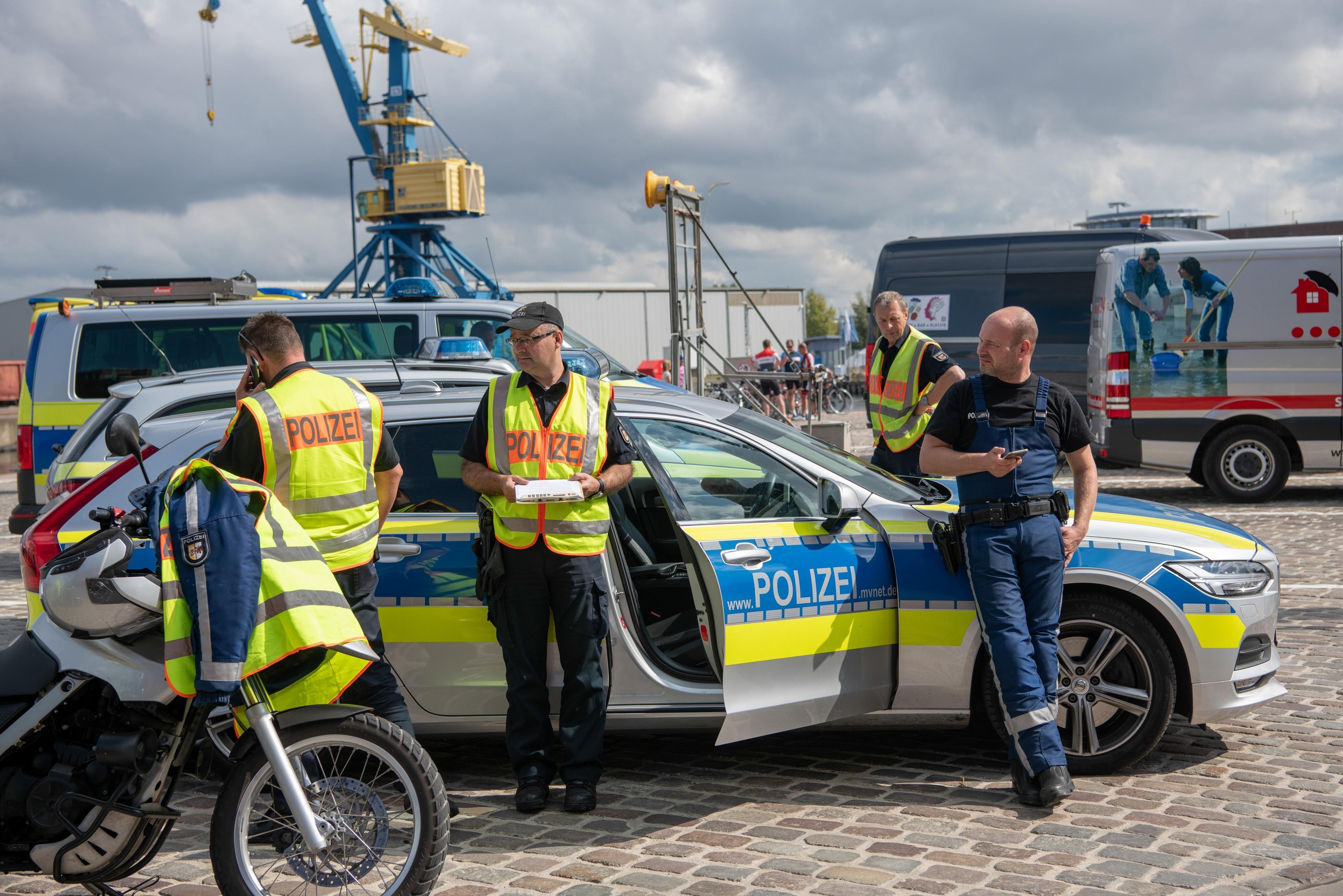 Die Absicherung erfolgt in bewährter Weise durch die Polizei